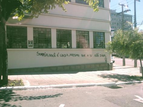 An inscription on the wall in downtown Caxias do Sul, a city in Rio Grande do Sul, Southern Brazil (Courtesy Olhe os Muros)