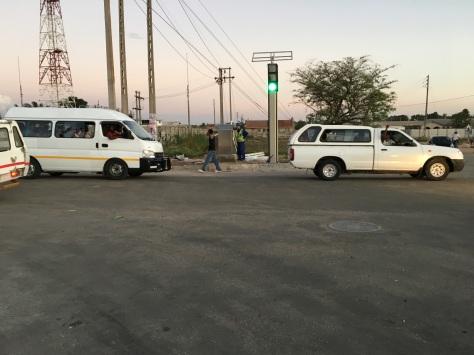 Solar-powered traffic lights in Ruwa, Zimbabwe. Source: Satewave Technologies P/L